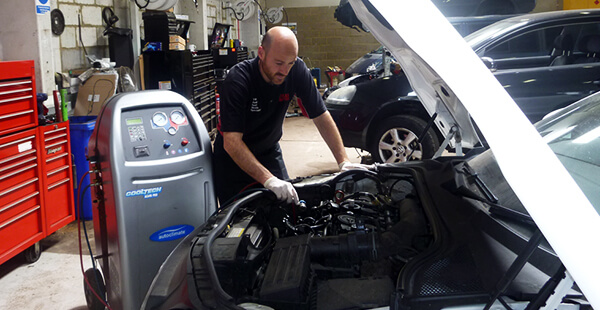 Air Con Service at Volks Autos